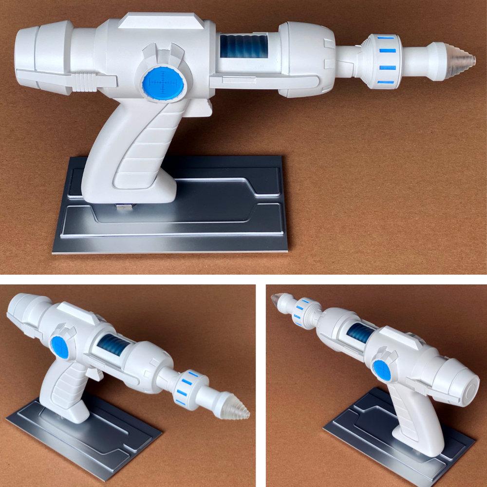 Captain Future: Proton Blaster, Fertig-Modell ... https://spaceart.de/produkte/captain-future-proton-blaster-fertig-modell-yellowzakk-cpf002.php