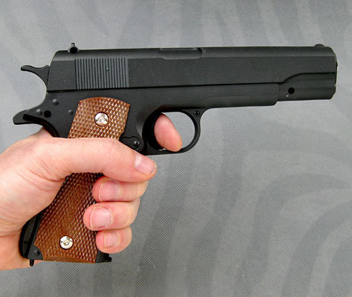 Filmwaffen: Colt 1911, Softair-Pistole ... https://spaceart.de/produkte/fwf001.php