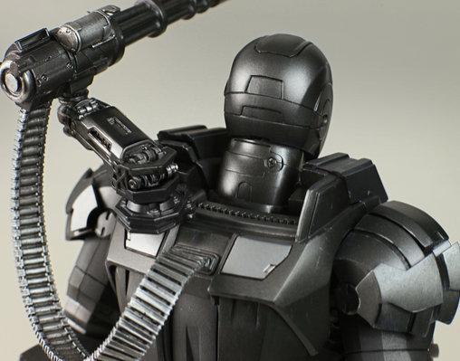 Iron Man 2: War Machine, 1/6 Figur ... https://spaceart.de/produkte/irm006-war-machine-iron-man-2-figur-hot-toys-mms120-900892-4897011173221-spaceart.php