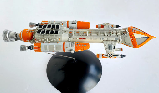 Mondbasis Alpha 1: Hawk Fighter, Typ: Modell-Bausatz