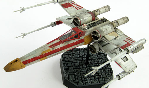 Star Wars: Rot-6 X-Wing Fighter, Fertig-Modell