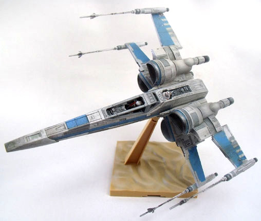Star Wars: X-Wing Fighter - Episode VII, Fertig-Modell ... https://spaceart.de/produkte/sw093.php
